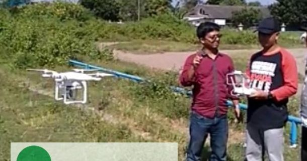 Pengoperasian drone di lapangan