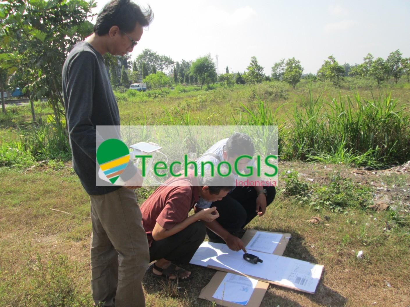 Suasana pelatihan penggunaan GPS dan GCP