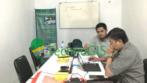 Pelatihan GIS Tingkat Dasar Dinas Pekerjaan Umum dan Penataan Ruang TechnoGIS