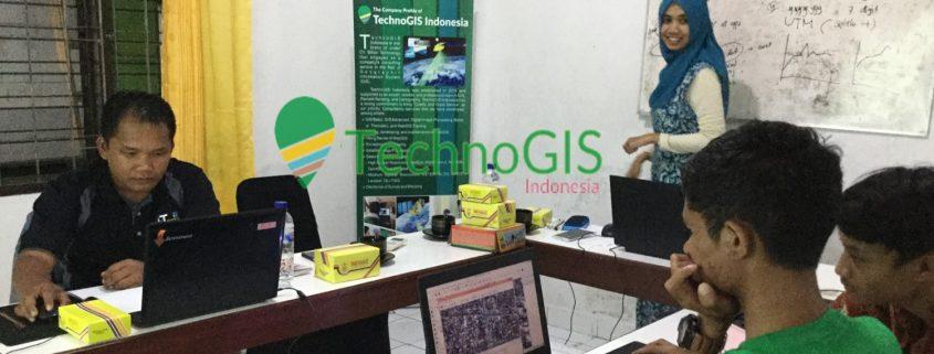 pelatihan gis dengan qgis technogis indonesia