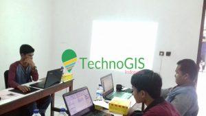 pelatihan qgis technogis 4