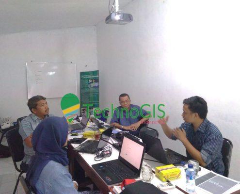 Pelatihan QuantumGIS Tingkat Lanjut PDAM Tirtanadi Medan di TechnoGIS Indonesia tahun 2018