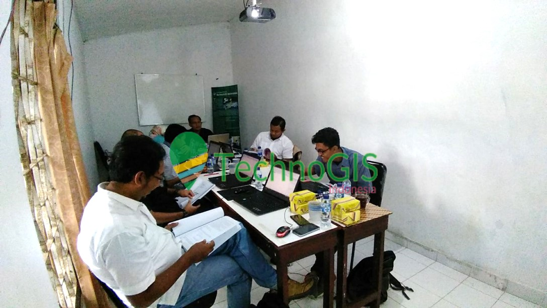 pelatihan gis tingkat lanjut pt adaro di technogis indonesia tahun 2018 2